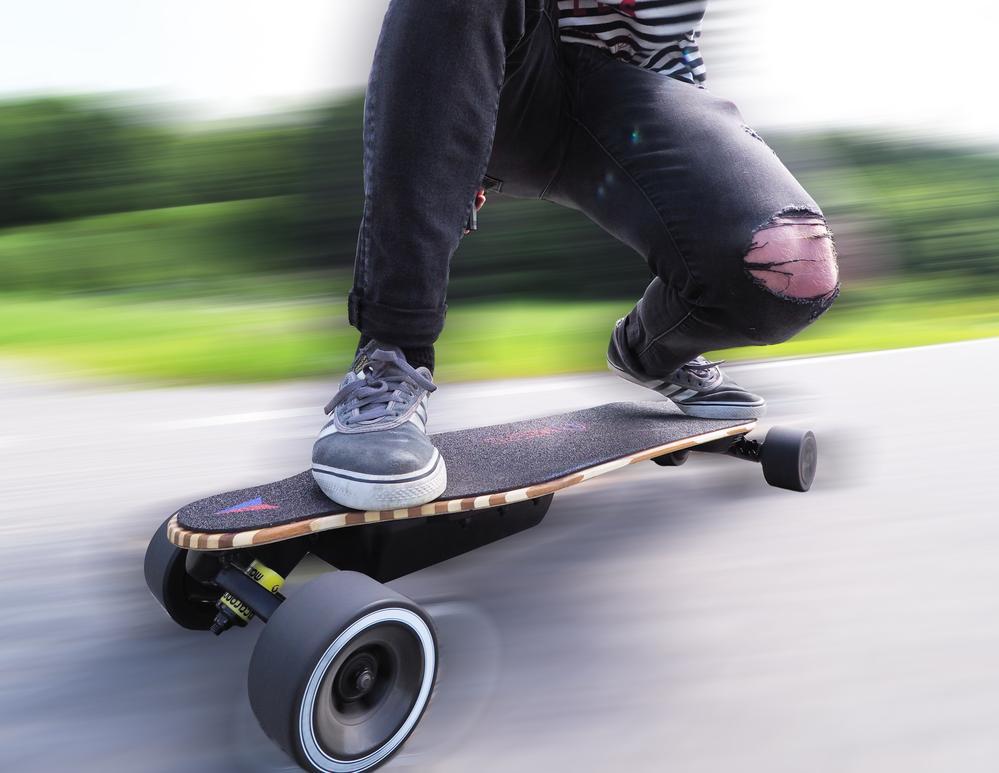 skateboard listrik